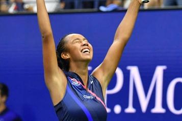 Internationaux des états-Unis Leylah Fernandez cause la surprise face à Naomi Osaka)