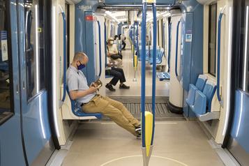 Le masque obligatoire dans le métro… et bientôt dans les commerces?)