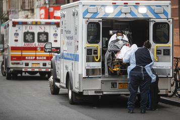 Petite lueur d'espoir à New York malgré un nombre record de morts