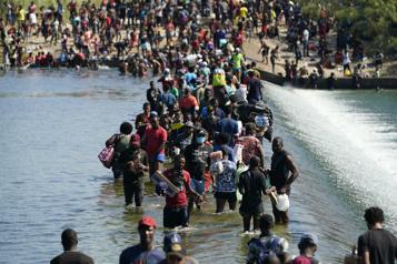 Crise à la frontière mexicaine Washington va accélérer le rythme des expulsions de migrants)