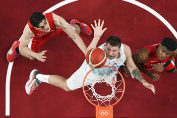 Basketball Luka Doncic guide les Slovènes vers les quarts de finale)