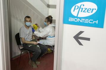 COVID-19 Pfizer s'attend à vendre pour 26milliards US de vaccins en 2021)