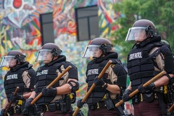 Des soldats déployés à Minneapolis après une troisième nuit d'émeutes)