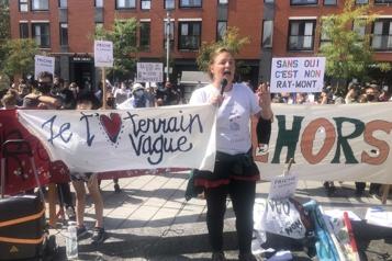 Transbordement de conteneurs Manifestation contre le projet de Ray-Mont Logistiques)