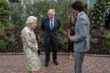 Sommet du G7 Les dirigeants se retrouvent autour de la reine ÉlisabethII)