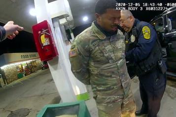 Virginie Policier congédié après l'interpellation musclée d'un militaire noir)