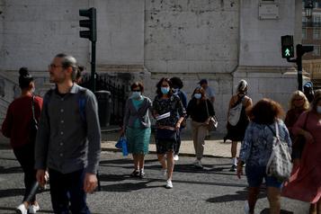 COVID-19 Le Portugal avance vers le port du masque dans la rue)