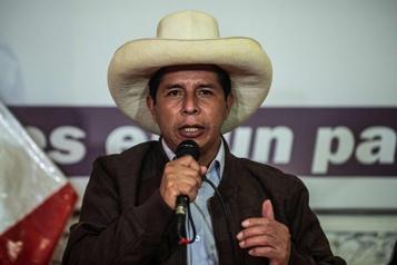 Pérou Castillo en tête à la fin du dépouillement, ses adversaires contestent)