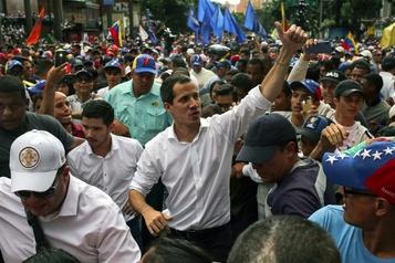 Venezuela: Guaidó mobilise plusieurs milliers de manifestants contre Maduro