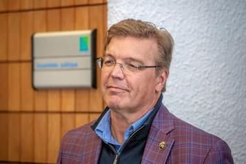 ECHL à Trois-Rivières «À nous de faire le travail», dit l'homme d'affaires Dean MacDonald)