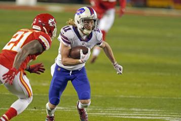 Après une belle saison, la défaite fait encore mal aux Bills)