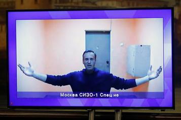 La justice russe maintient l'opposant Navalny en détention)