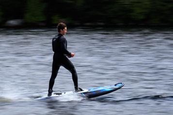 Surfer sans vagues)