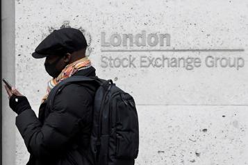Les marchés européens limitent leurs pertes)