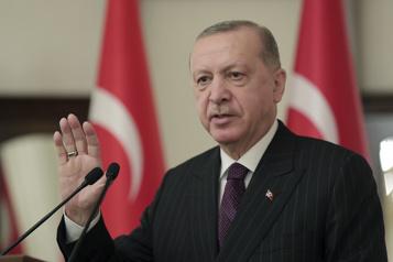 Turquie Erdogan dit vouloir «remettre sur les rails» les relations avec l'Europe)