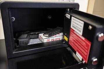 Pour parer aux fusillades, une école de l'Ohio arme ses professeurs
