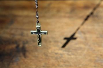 Agressions sexuelles Un diocèse de l'État de New York a longtemps protégé de nombreux prêtres)