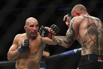 UFC: Teixeira surprend Smith en finale du gala)