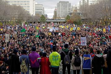 Ottawa ouvert à revoir des lois environnementales