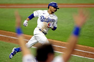 Les Dodgers remportent la Série mondiale)