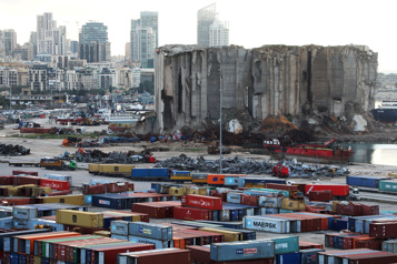 Après l'explosion dans le port de Beyrouth, des silos devront être détruits)