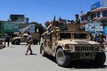 Afghanistan Offensive repoussée des talibans contre la grande ville de l'ouest)