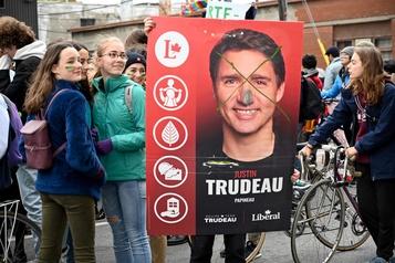 «Immense déception» des jeunes face au bilan environnemental de Trudeau