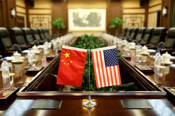 COVID-19: Pékin agite le spectre de la «Guerre froide» avec les États-Unis)