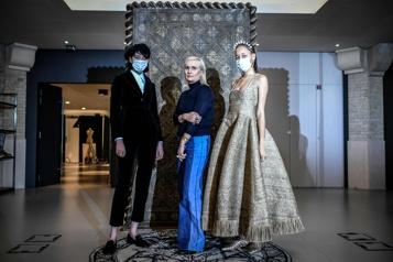 Dior tire le tarot pour présenter la haute couture)