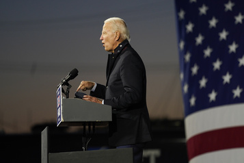 Joe Biden a récolté 383millions de dollars en septembre, un record)