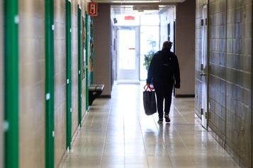 Écoles secondaires: «J'ai l'impression qu'on ne s'est pas dit au revoir»)