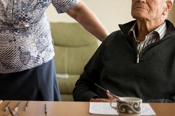 La crise des opioïdes fait stagner l'espérance de vie des hommes au Canada