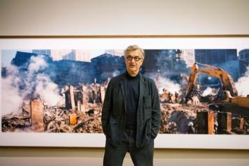11-Septembre Wim Wenders incarne l'espoir dans une série de photos)