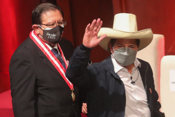 Pérou Le président Pedro Castillo n'importera pas de «modèle» étranger)
