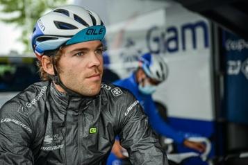 Tour d'Italie Antoine Duchesne à une étape de compléter son premier Giro)