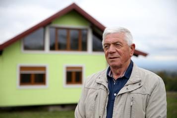 Une maison qui tourne sur elle-même en Bosnie