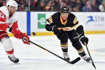 David Pastrnak inscrit son 42e but dans un victoire des Bruins contre les Red Wings