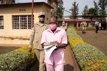 Le héros d'Hôtel Rwanda admet avoir formé un groupe rebelle)