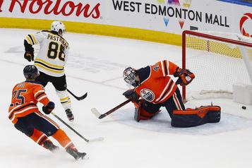 Pastrnak donne la victoire aux Bruins