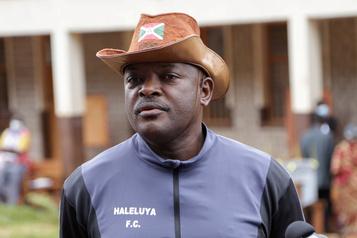 Le président du Burundi Pierre Nkurunziza meurt d'un arrêt cardiaque)