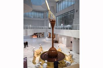 Lindtdévoile une fontaine de chocolat de 9m)