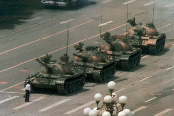 Moteur de recherche Bing La célèbre photo du manifestant debout devant les chars de Tiananmen disparaît)