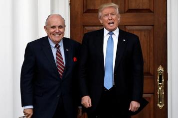 Perquisition chez Giuliani Trump et Biden s'accusent d'avoir politisé la Justice)