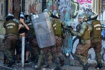 Crise sociale au Chili: le président Piñera condamne les violences policières