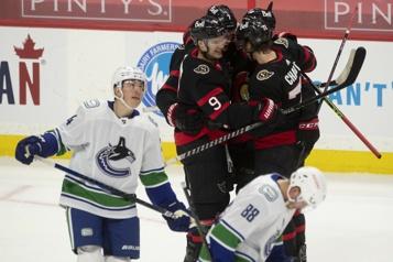 Drake Batherson et les Sénateurs battent les Canucks)