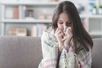 Le rhume pourrait protéger contre la COVID-19)