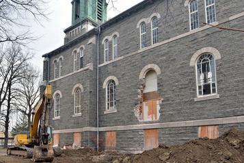 Québec: la démolition de l'église Saint-François d'Assise est commencée