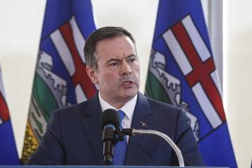 Alberta: l'enquête publique sur la «propagande anti-pétrole» est prolongée)