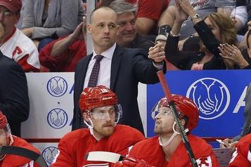 Red Wings: Yzerman garde l'entraîneur Jeff Blashill, malgré une autre mauvaise saison)