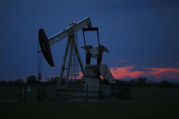 Les cours du pétrole montent un peu dans un marché optimiste)